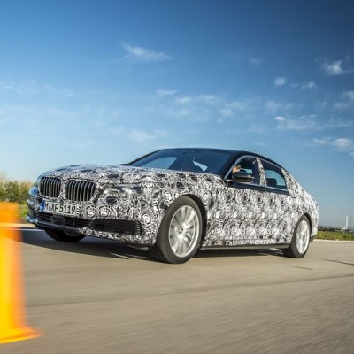 The new BMW 7 Series has remote parking, gesture control, and a key with an LCD display