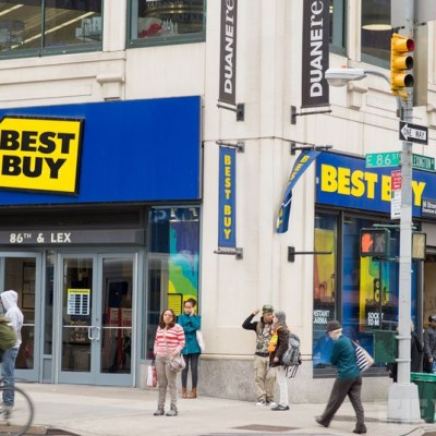 Best Buy now accepts Apple Pay, coming to stores 'later this year'